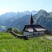 Die kleine Kapelle liegt etwa in der Hälfte des Chäferliweges.