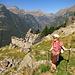 Beim Agriturismo auf 1460m, der sich den bisherigen Weg entlang mit handgezeichneten Ziegensymbolen angekündigt hatte. Nera Verzasca-Ziegen, was sonst :)