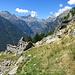 Der Blick ins Val Redorta, diesmal ohne Luise, aber immer noch bei bestem Wetter. Links ist die Lichtung des Monte Valdo zu sehen, wo Kathrin Rüegg NICHT gelebt hat.