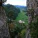 Die Portiflue ist zweigeteilt und dazwischen liegt sozusagen die Ruine Gilgenberg