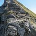 Die plattige Felsstufe mit Drahtseil in der Metzgerchälen. Technisch vermutlich die Schlüsselstelle der Wanderung.
