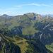 Der Nenzinger Himmel (unten) sprich Gamperdonatal  mit 'grünem' Gerbirgspanorama.