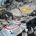 Passo die Lucendro und seine Weiterwege. Foto in Richtung Nordost. Am linken Rand ist der Weg kommend vom Lago di Lucendro sichtbar.