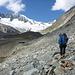 Im Tal Richtung Mittelaletschgletscher unterwegs