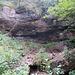 """kleine """"Höhlen"""" und Wasser von oben"""