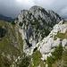 Holzerhore S-Flanke vom Mittagflue N-Gipfel: die Abstiegsroute zieht unter Haupt- und Vorgipfel diagonal nach links unten