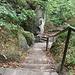 Für den Abstieg gibt es eine ganz normale Treppe.