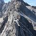 die letzten Meter hinüber zu dem Geröllfeld unterhalb der kl. Riffenwandspitze werden brüchig