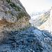 Teils spektakuläre Wegführung oberhalb der Gletscherschlucht bis Bäregg (T2)