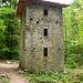 Turbinen-Turm im Kemptnertobel - die oberen Öffnungen dienten für die Transmissions-Seile zur Fabrik, welche jedoch nie gebaut wurde.