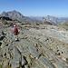 Gletscherschliff, geradeaus nochmal der Habicht