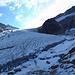 Hier gehts von der Seitenmoräne auf den Gletscher.