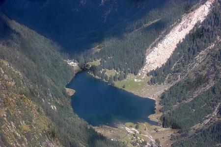 Splendido Lago di Cama.