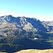 Da qui si gode una bella vista sulla conca del Calvi, con Cabianca, Valrossa e Frati in bella vista