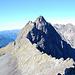 Salendo verso la Bocchetta di Podavit, ci giriamo ad ammirare il Rondenino e la sua affilatissima cresta