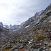 Val Forno oberhalb von Pkt. 2085<br /><br />... links der Bildmitte der Felsriegel