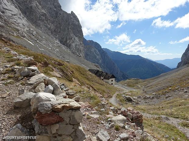 Das auf der italienischen Seite gelegene Rifugio