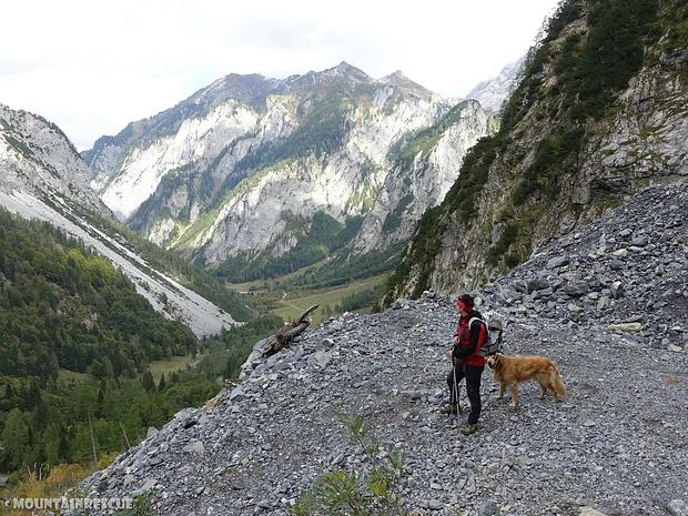 Langer Abstieg zurück ins Tal