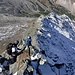 Der Klettersteig verläuft kontinuierlich auf dem Grat.