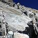 Die Kletterpassage ist auf den ersten Metern mit einem Fixseil bestückt.