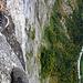 Tiefstblick am Mürren Klettersteig in ca. 600 Metern über Grund.