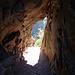 Hier führt der Weg direkt durch die Felswand