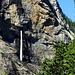 Une des nombreuses chutes d'eau dans la Gasterntal
