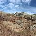 Im Abstieg zwischen Port de Sotllo und Estany d'Estats - Umgeben von herrlicher Felslandschaft.