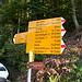 Start: Wegweiser in <em>Vogorno</em>.