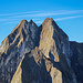 Die 4 Höfatsgipfel mit der Kleinen Höfats vorne. Was für ein herrlicher Berg!