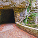 Tunnel am Anfang des Schluchtweges
