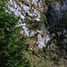 Dent de Corjon Nordgrat: Auf zirka 1860m ist die Schlüsselstelle der Tour. Dabei wird in wenigen Kraxelzügen wird ein kleine Felsstufe erklettert. Oberhalb geht es in steilen Kehren wieder hinuaf auf den Grat.