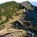 Suggestiva cresta panoramica,alle nostre spalle si puo' proseguire per la Cima d'Oress e infine raggiungere la Capanna Pairolo.