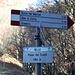 """<b>Passo Crocetta (1364 m).<br />Nel 2002 il segnavia indicava """"Crocetta - Crosét (1360 m)"""": cambia il nome, cambia la quota e cambia persino l'accento.</b>"""