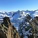 Schöne Kletterei an Erstfeldergneis nach der 3. Scharte. Darüber von rechts Hienderstock bis Steinlouwihorn