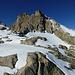Auf dem Chammligrat oberhalb P. 3109: links E-Flanke und -grat, darüber Vorgipfel und Gipfel