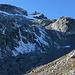 Nach dem Gletscher (oben) geht es weiter über über Gneisbuckel, Geröll und Schrofen hinunter Richtung ESE