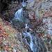 Wasserfall entlang der Strasse von Turrenbach nach Formatt.