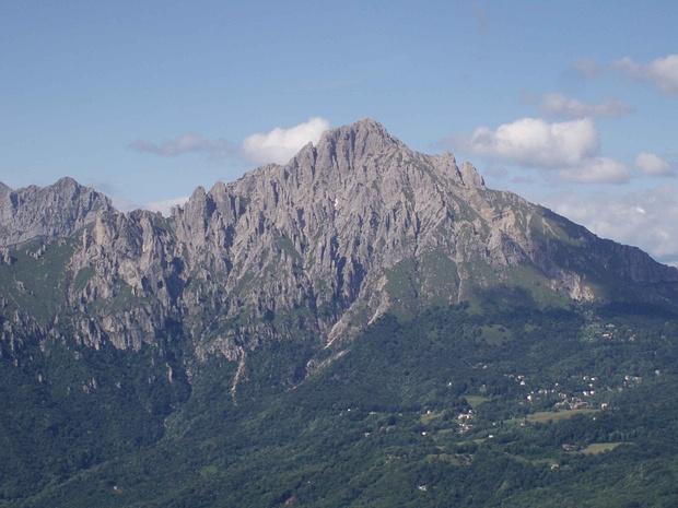 La Grignetta fotografata dalla cima del Monte Moregallo