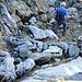 Das steinige Gelände unterhalb dem Glattchamm erfordert immer noch Vorsicht