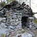 Alpe Pisom, 1712m - Die bescheidene Hütte war Wohnstätte und Käserei