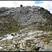 Wenige Meter unterhalb des Gipfels mit seinem überaus dezenten Steinmannli.