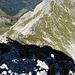 """Markierungsstein auf dem Nördlichen Schafalpenkopf, den kurzen Abstecher vom """"Klettersteig"""" machen die wenigsten Begeher"""
