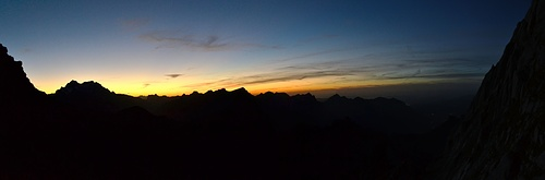 Sonnenuntergang 2. Wenige Minuten später ist es stockfinster.
