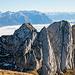 Wer sieht die beiden Berggänger beim Abstieg vom Vorgipfel des Gätterifirst?