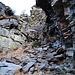 Il canalino roccioso che porta alla piana superiore