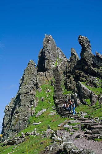 Der Schlussanstieg zum Nordgipfel, auf dem die bescheidene Klosteranlage thront.