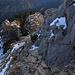 Die seilversicherte Passage unter dem Gipfel / il passaggio attrezzato sotto la cima