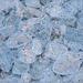 Die Eisschicht über den Steinen auf dem Weg lässt zum Teil interessante Muster entstehen