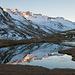 In den zahlreichen Seelein und Tümpel im unteren Val Maighels lassen sich schöne Spiegelungen beobachten. Leider ist die Zeit schon etwas fortgeschritten, und die letzten Sonnenstrahlen verschwinden von den Gipfeln.